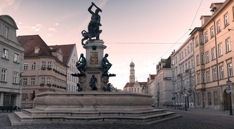 Der Herkulesbrunnen in Augsburg ist eine der 22 Objekte der Welterbestätte des Augsburger Wassermanagement-Systems. © Florian Breuer