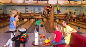 Bowlingbahn LEGOLAND Feriendorf © LEGOLAND Deutschland Resort