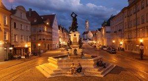 maximilianstrasse-nachtimpression-300dpi-bild-regio-augsburg-tourismus-gmbh-reinhard-paland