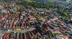 Digitale Panoramatour von multimaps 360: Blick über Günzburg, den Marktplatz und das Schloss. © multimaps360.de