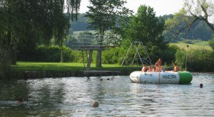 Das Wörnitz-Flussfreibad in Oettingen in Bayern., © Stadt Oettingen