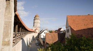 Die Nördlinger Stadtmauer - kreisrund und begehbar., © Fouad Vollmer