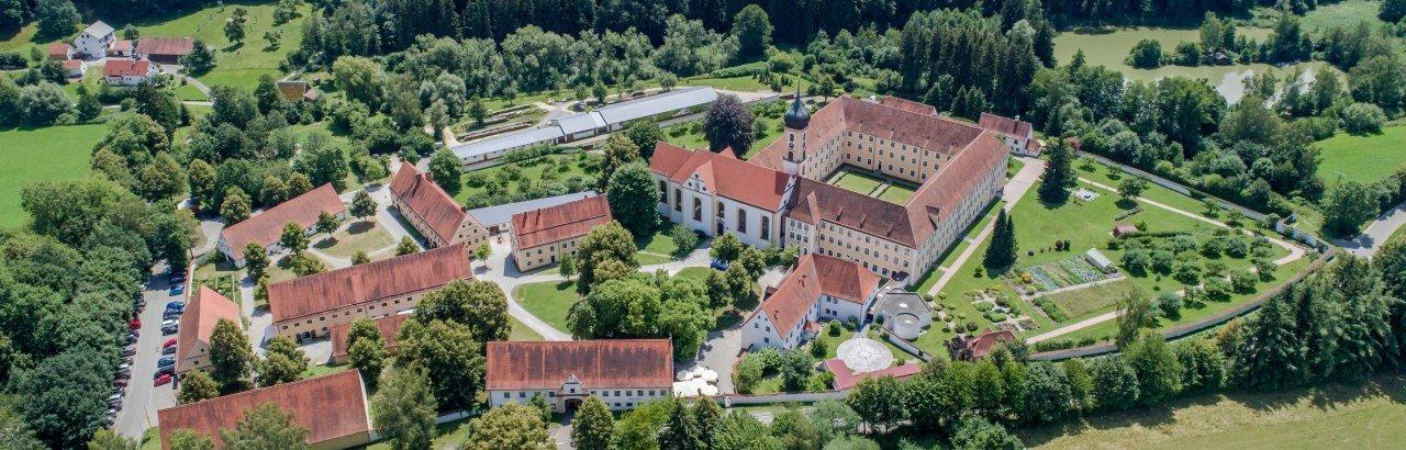 Kloster Oberschönenfeld bei Gessertshausen im Naturpark Augsburg - Westliche Wälder © Landratsamt Augsburg
