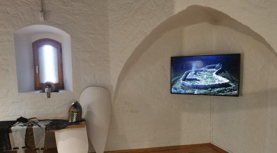 Eine Rekonstruktion der Burg Wittelsbach am einstigen Stammsitz der Wittelsbacher in Bayern. © Dr. Martin Straßburger