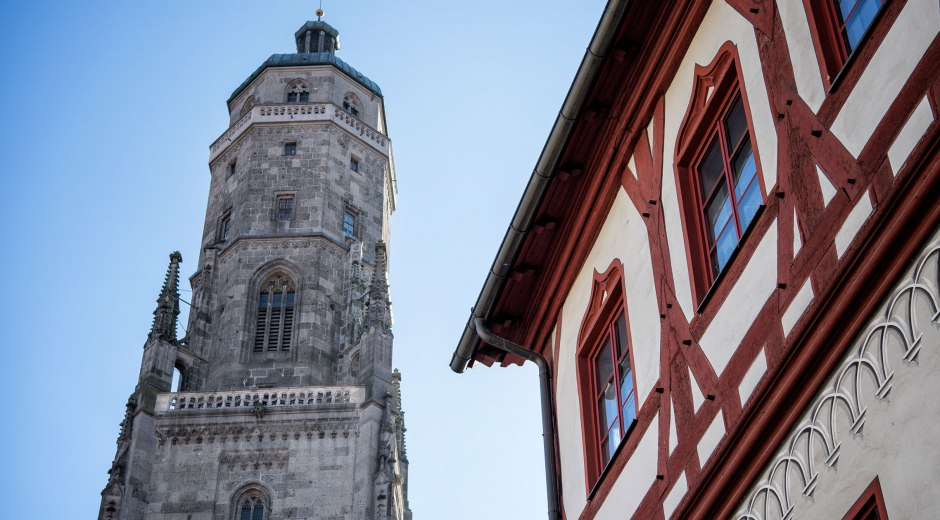Vom Daniel, dem Turm der St. Georgs-Kirche, hat man von oben eine wunderbare Aussicht über Nördlingen und das Ries © Trykowski