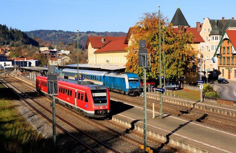 Entspannte Anreise mit der Rgionalbahn in Bayern © BEG / Uwe Miethe