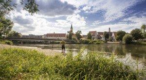 Lauingen - Blick von der Donau auf die Stadt, © Fouad Vollmer